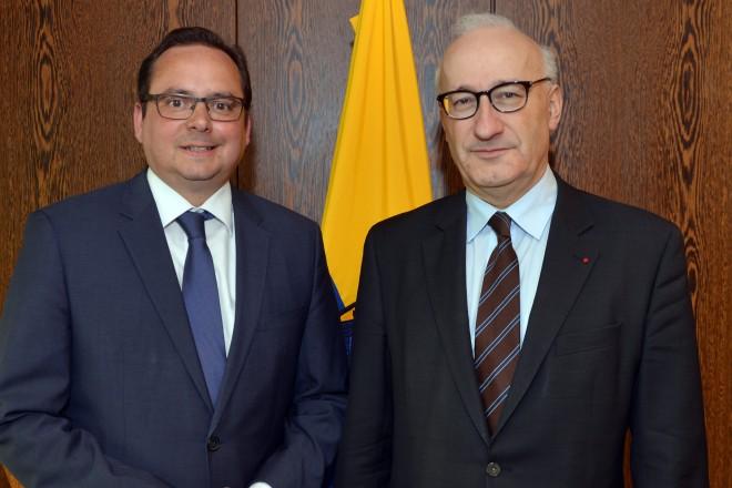 Oberbürgermeister Thomas Kufen (links) empfängt den französischen Botschafter S. E. Philippe Étienne.