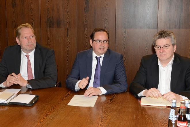 Foto: Sicherheitskonferenz im Essener Rathaus