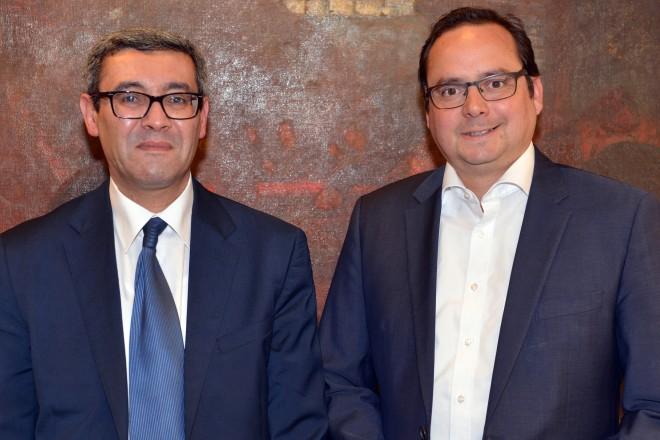 Oberbürgermeister Thomas Kufen (rechts) empfängt den tunesischen Generalkonsul Ahmed Chafra.