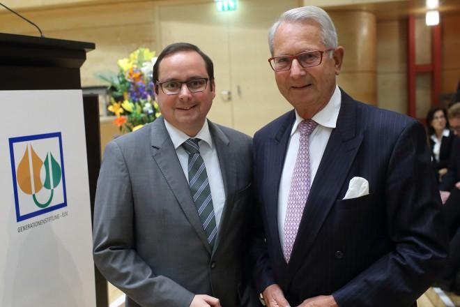 Jubiläums- und Stiftungskonzert der Generationenstiftung. Oberbürgermeister Thomas Kufen (links) und Stiftungsvorsitzender Dr. Henner Puppel.