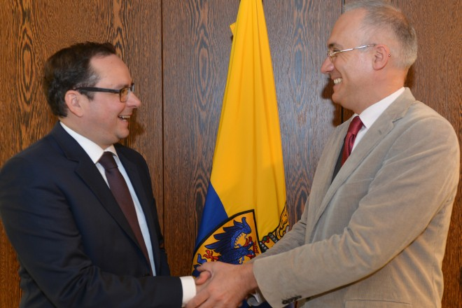 Oberbürgermeister Thomas Kufen (links) empfängt den italienischen Generalkonsul Emilio Lolli.