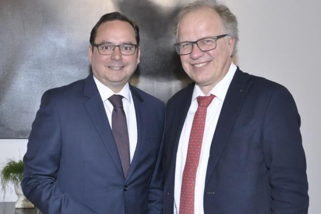 Oberbürgermeister Thomas Kufen zu Besuch bei Hattingens Bürgermeister Dirk Glaser. Foto: Jana Golus, Stadt Hattingen