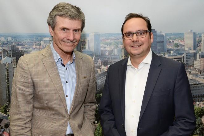 Foto: Oberbürgermeister Thomas Kufen (rechts) hat sich heute mit Professor Ferdinand Dudenhöffer getroffen