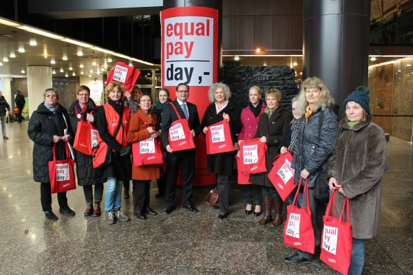 Foto: Equal Pay Day 2016 im Rathausfoyer