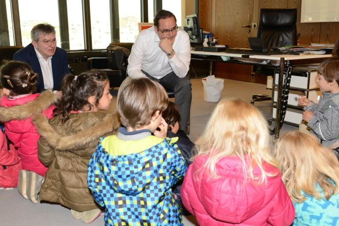 Foto: Kinder der Kita Kämpenstraße besuchen Oberbürgermeister Thomas Kufen