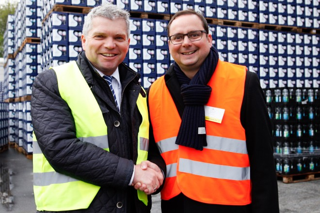 Oberbürgermeister Thomas Kufen (rechts) und Jörg Mellis, Geschäftsführer der Schloss Quelle Mellis GmbH