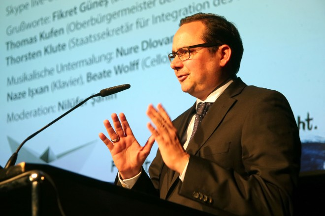 Oberbürgermeister Thomas Kufen eröffnet die Buchmesse Ruhr.