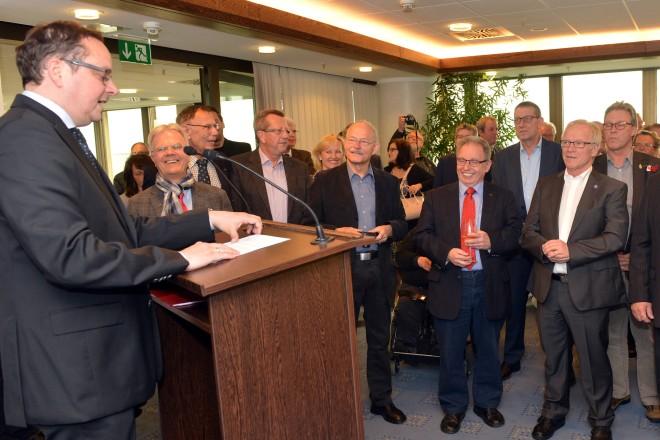 Oberbürgermeister Thomas Kufen richtet Grußworte an die Teilnehmerinnen und Teilnehmer des Arbeitnehmerempfangs.