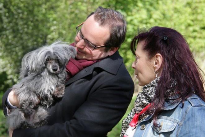 Oberbürgermeister Thomas Kufen besucht die Mischlingshundeschau im Tierheim Essen
