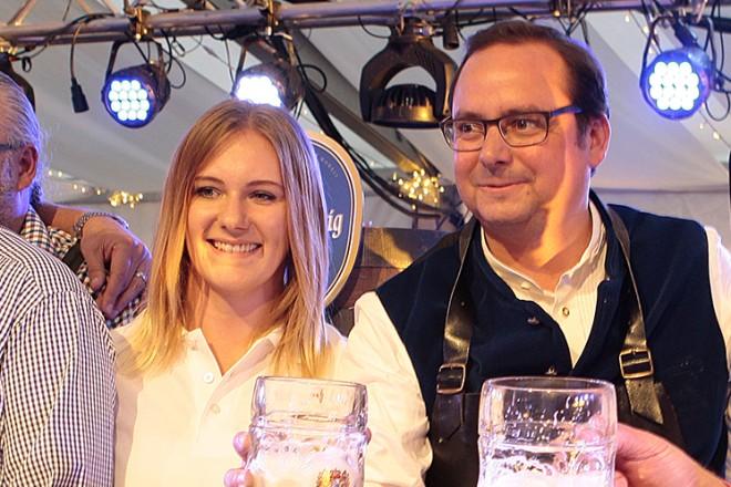 Oberbürgermeister Thomas Kufen eröffnet das Rüttenscheider Oktoberfest.