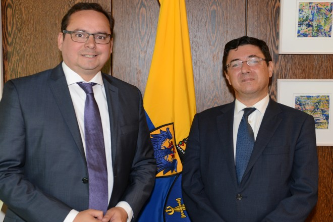 Oberbürgermeister Thomas Kufen begrüßt den portugiesischen Generalkonsul José M. Carneiro Mendes