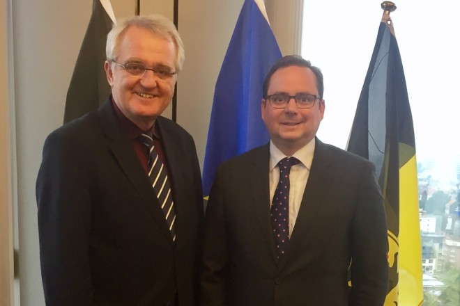 Oberbürgermeister Thomas Kufen bei der Europäischen Woche der Regionen und Städte in Brüssel im Gespräch mit Rainer Wieland, Mitglied des Europäischen Parlaments (MdEP) und Vizepräsident des Europäischen Parlaments. Foto: Stadt Essen