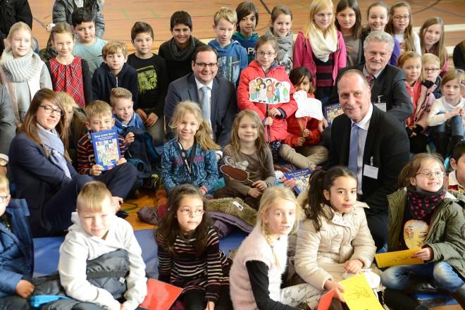 Das erste Buch Lesung und Buchübergabe in der Schlossschule Essen- Borbeck