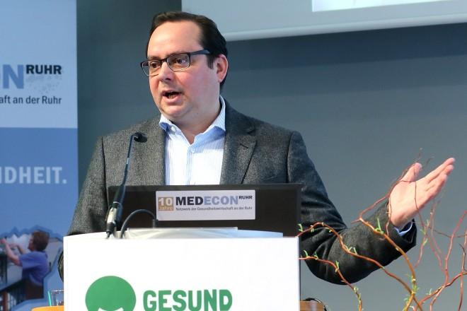 Oberbürgermeister Thomas Kufen bei der 3. Ruhrgebietskongress für Kinder- und Jugendgesundheit - GESUND AUFWACHSEN IM REVIER -