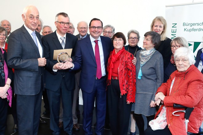 Oberbürgermeister Thomas Kufen (Mitte) beim Jahresempfang und 120jährigen Jubiläum der Bürgerschaft Kupferdreh Foto: Georg Lukas, Essen
