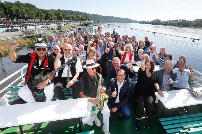 5-jähriges Jubiläum - Altendorfs Bürger engangieren sich. Zum Geburtstag gab es eine gemeinsame Bootsfahrt auf dem Baldeneysee mit Oberbürgermeister Thomas Kufen