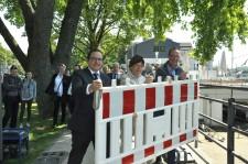 Einweihung der Steeler Ruhrpromenade v.l.n.r: Oberbürgermeister Thomas Kufen, Umweltdezernentin Simone Raskob und Bezirksbürgermeister Gerd Hampel