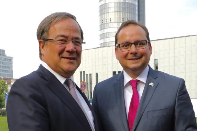 NRW-Ministerpräsident Armin Laschet (links) und Oberbürgermeister Thomas Kufen