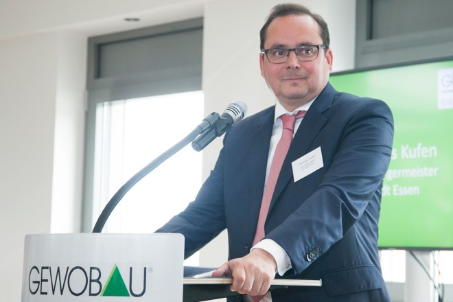 Oberbürgermeister Thomas Kufen spricht zum 111-jährigen Bestehen der Gewobau Essen eG