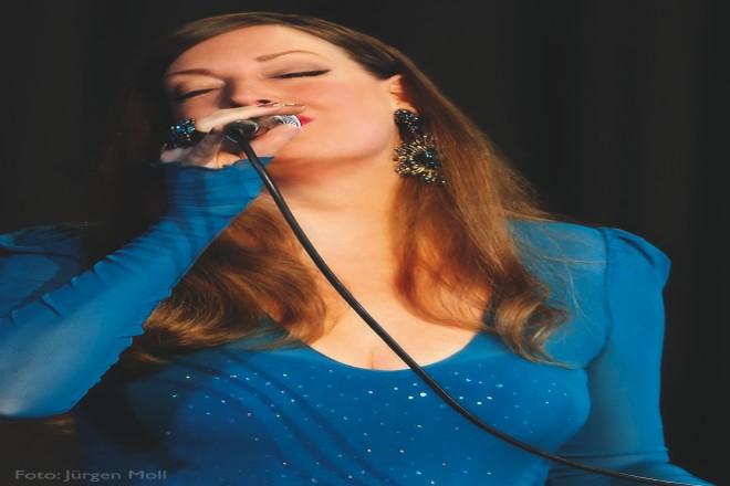 Die Sängerin Anna Larsen