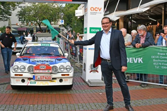 Oberbürgermeister Thomsas Kufen startet den 31.Steeler ACV Classic