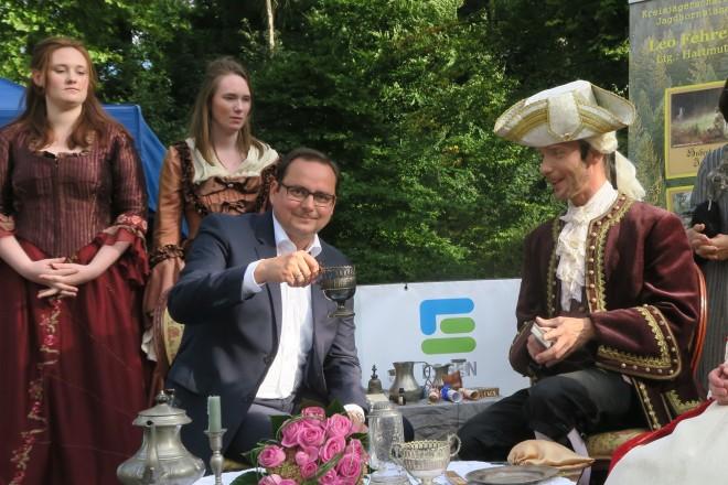 """Oberbürgermeister Thomas Kufen besucht das Projekt """" Macht und Pracht im Schlosspark Borbeck"""""""