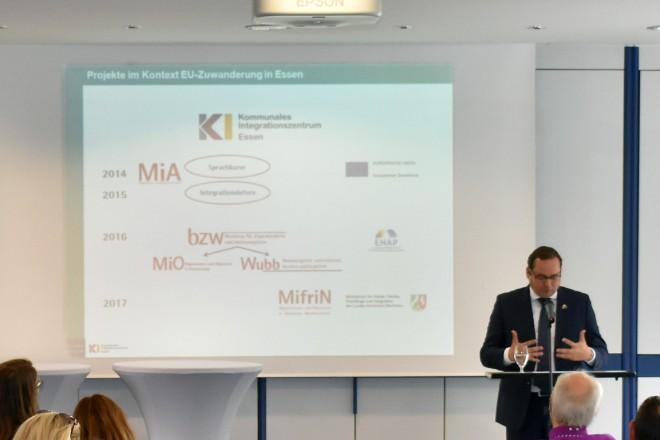 Oberbürgermeister Thomas Kufen bei der Auftaktveranstaltung EU-Zuwanderungs-Projekte