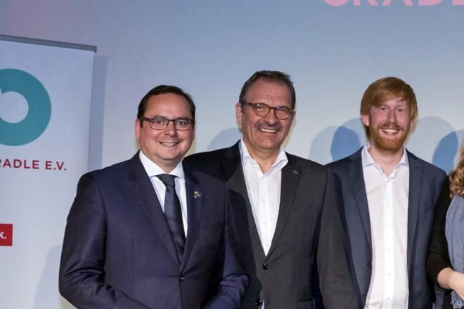 Oberbürgermeister Thomas Kufen begrüßt die Teilnehmerinnen und Teilnehmer des Cradle to Cradle (C2C) Forums auf Zollverein.
