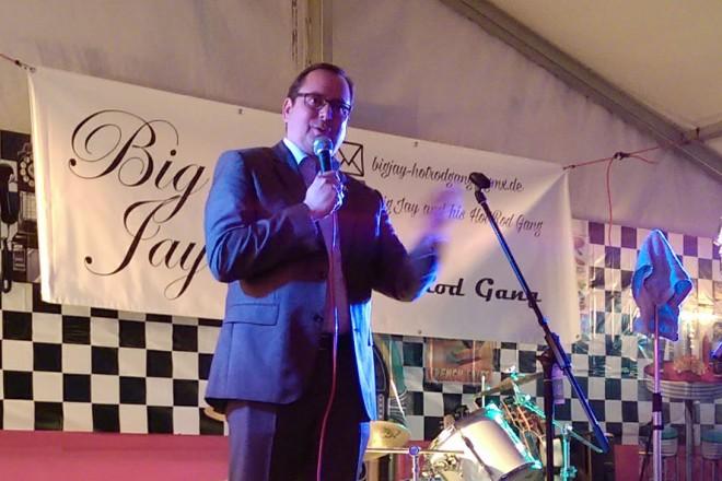 Oberbürgermeister Thomas Kufen bei der Eröffnung des Sommerfestes des Bürgerverein Haarzopf/Fulerum.