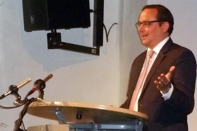 Oberbürgermeister Thomas Kufen bei der 20 Jahrfeier der IG Bahnhof Kettwig e.V.