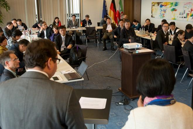 Anlässlich des deutsch-chinesischen Bürgermeisterprogramms 2017 vom 16. bis 29. September empfängt Oberbürgermeister Thomas Kufen eine Delegation chinesischer Amtskolleginnen und -kollegen zu einem Workshop im Essener Rathaus. Zuvor begrüßte er eine Delegation aus Changzou.