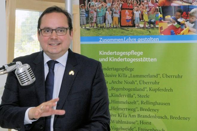 Oberbürgermeister Thomas Kufen eröffnet die KiTa Lohstraße.