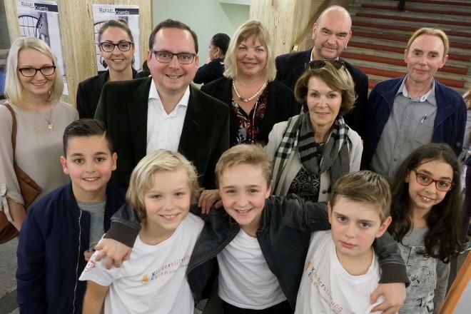 """Oberbürgermeister Thomas Kufen besucht das Abschlussfest der """" Kinderfilmtage im Ruhrgebiet """" in der Lichtburg"""