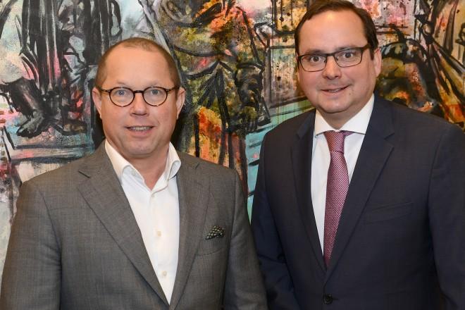 Oberbürgermeister Thomas Kufen begrüßt den Regionalminister Ger Koopmans (Minister für Finanzen, Sport und Kultur der niederl. Provinz Limburg)