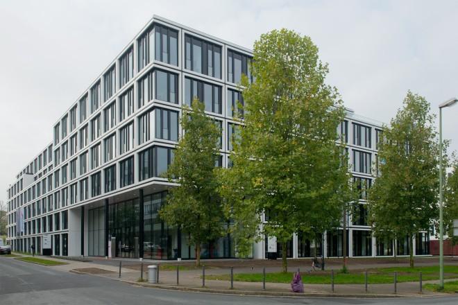 """Schlüsselübergabe """"House of Elements"""" der Brenntag AG."""