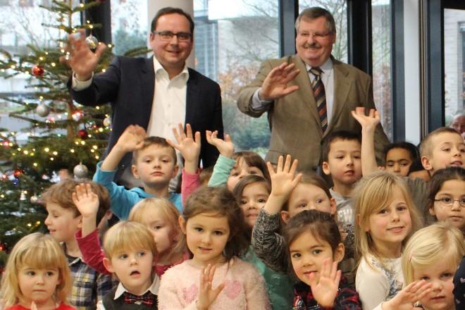 Oberbürgermeister Thomas Kufen besucht die Weihnachtsfeier des Deutschen Kinderschutzbund