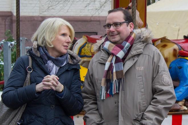 Oberbürgermeister Thomas Kufen besucht den Allbau Kinder- Weihnachtsmarkt in Essen- Werden