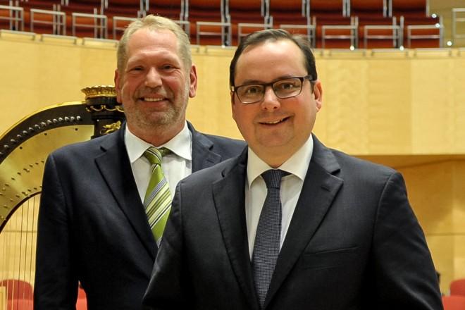 63.Weihnachtskonzert der Polizei Essen Oberbürgermeister Thomas Kufen und der Polizeipräsident Frank Richter
