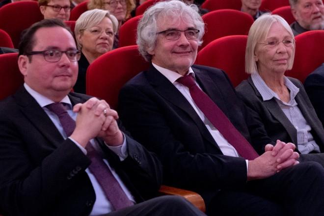 Verabschiedung von Kulturdezernent Andreas Bomheuer (2.v.l.) in der Essener Lichtburg.