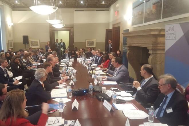 Treffen der Bürgermeister im Rahmen des Strong Cities Netzwerk.