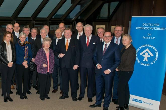 Oberbürgermeister Thomas Kufen (2.v.r.) begrüßte die Teilnehmerinnen und Teilnehmer der Kuratoriumssitzung des Deutschen Kinderschutzbundes, Ortsverein Essen im Rathaus.