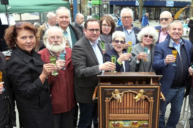 Oberbürgermeister Thomas Kufen besucht die 15.Maibaumfeier des Stadtverbandes der Bürger-und Verkehrsvereine e.V