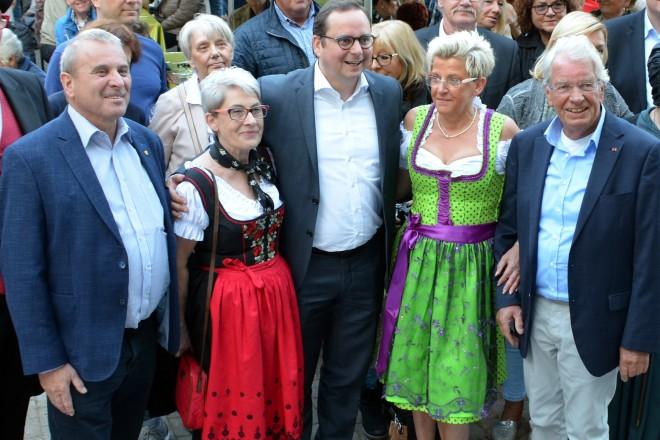 Oberbürgermeister Thomas Kufen eröffnet die 19. Happy Days auf dem Festplatz an der Donnerstraße.
