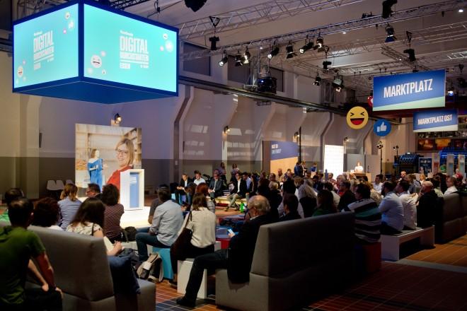 """Start der Veranstaltungsserie """"Digital durchstarten"""" von Facebook in der Grand Hall auf Zollverein."""