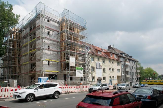 Richtfest des Elternhauserweiterung der Essener Elterninitiative zur Unterstützung krebskranker Kinder e.V. ; Kaulbachstraße 8-10.