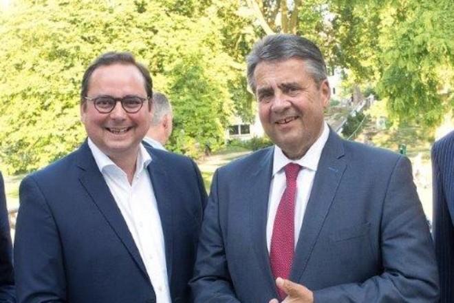 Am Mittwoch (6.6.) war Oberbürgermeister Thomas Kufen Gast des traditionellen Spargelessens des Essener Unternehmensverbandes (EUV) in der Philharmonie Essen.