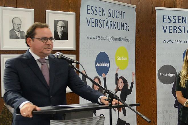 Oberbürgermeister Thomas Kufen eröffnet die Messe der Behörden im Essener Rathaus