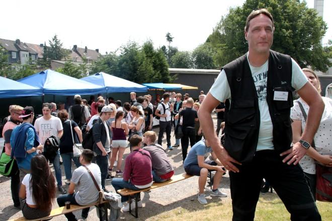 Haben wieder einmal das große Event vor den Sommerferien organisiert: Michael Schäfer und seine Veranstaltungstechniker