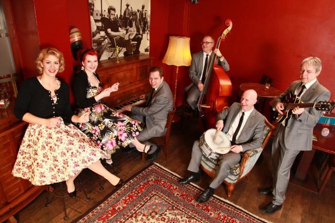 ErdbeerShake! Shake, Rattle & Roll, Petticoats und jede Menge Twist mit den unvergessenen Hits der 50er und 60er Jahre