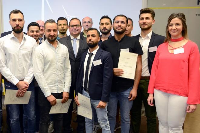 """Pressekonferenz zum Pilotprojekt """" Empower Refugees """" mit anschliessender Zertifikatüberreichung"""